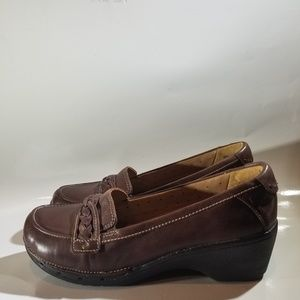 CLARKS UNSTRUCTURED WEDGE LOAFER SIZE 8